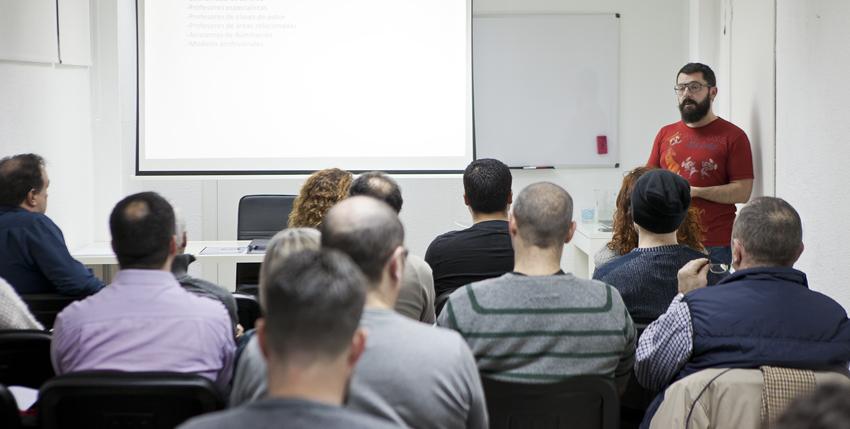"""Así fue la nueva ponencia gratuita """"El flash de mano en exteriores"""" del 22 de enero, impartida por José A. Fernández"""