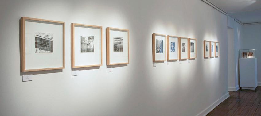 Belén Muguiro inaugura en Chile la exposición 'Instantes', comisariada por Rosa Isabel Vázquez