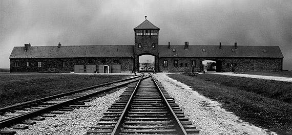 centro_de_exposiciones_arte_canal_Auschwitz_No_hace_mucho_No_muy_lejos_fotografia_madrid